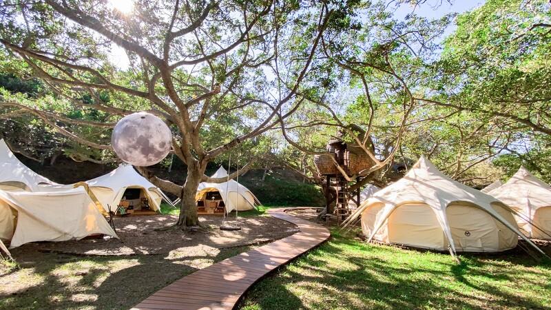 最夢幻露營行程!勤美學露營最Chill的3種方式,喝酒做瑜伽、躺在星空下,再多煩鬧也都煙消雲散