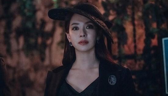 39-year-old Song Ji-hyo's