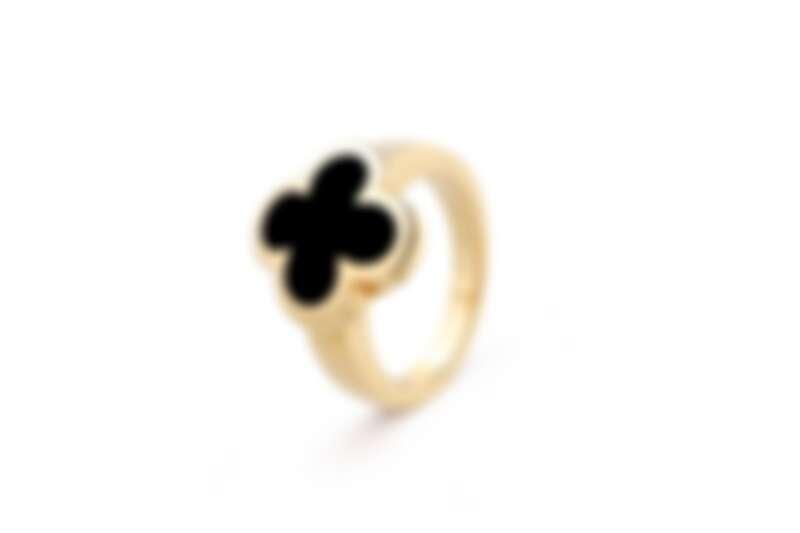 Pure Alhambra系列黃K金戒指,縞瑪瑙。