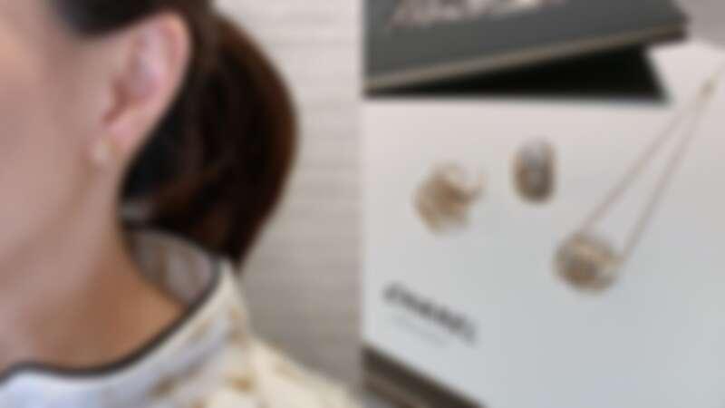 Chanel《Bouton de Camélia》高級珠寶系列