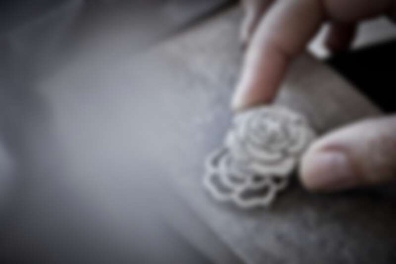 Chanel 香奈兒頂級珠寶系列《1.5 1 Camélia 5 Allures》