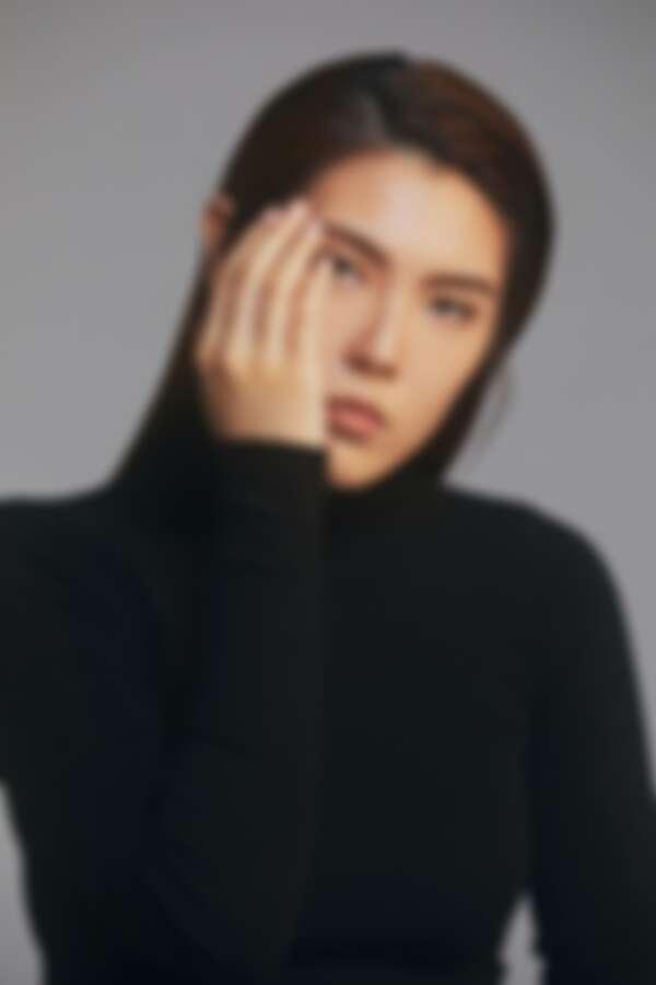 黑色高領上衣,Bottega Veneta