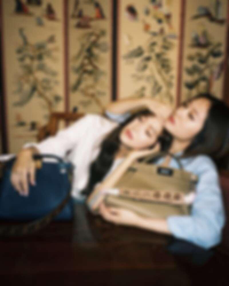 韓國歌手Jessica 跟妹妹 Crystal