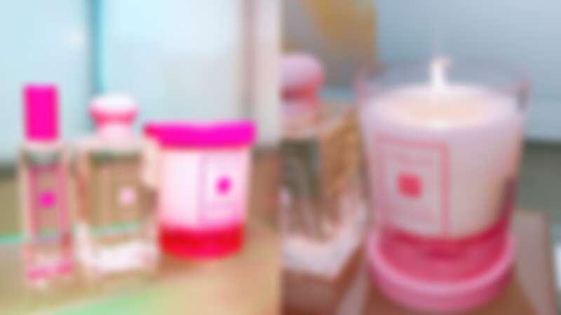 粉紅色的合歡花(復刻香氣)系列,當中有首度推出的合歡花工藝蠟燭。