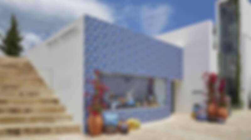 Loewe 與 Ibiza 傳奇時裝店 Paula's 聯名合作企劃!