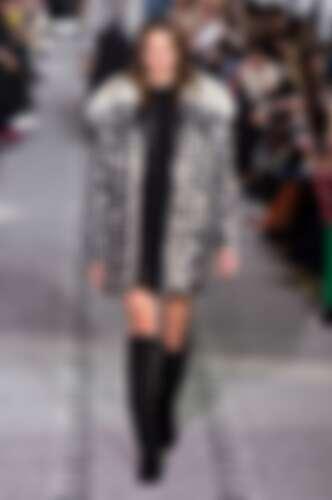 Longchamp 在紐約發表的2019秋冬系列,便出現了這樣的圖案設計。