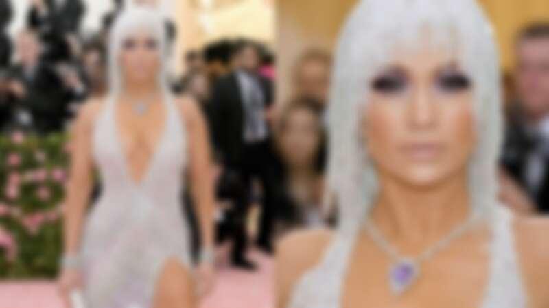珍妮佛羅培茲Jennifer Lopez以亮片流蘇禮服搭配Harry Winston的鑽石珠寶