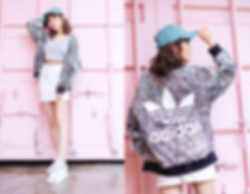 灰色V領短版背心,890元;豹紋Oversize透膚外套,3,290元;薄荷綠老帽,890元;NITE JOGGER白黃配色,4,690元 / all by adidas Originals