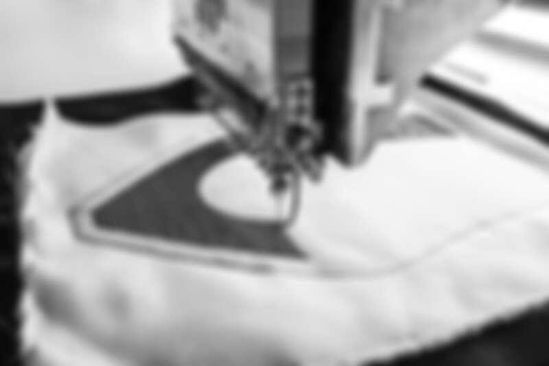 J'adior 黑色科技布料鞋款面料製作程序。