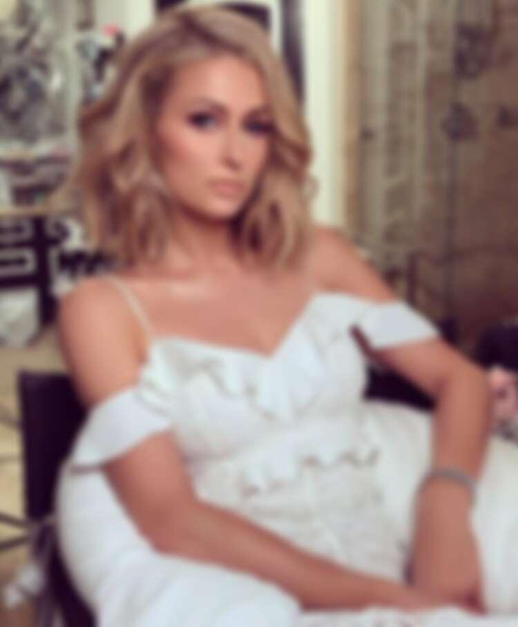 美國名媛 Paris Hilton。呀,就是那個奢華酒店集團希爾頓。