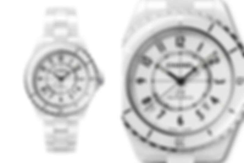 白色J12抗磨精密陶瓷搭配精鋼錶殼腕錶 ,Chanel。