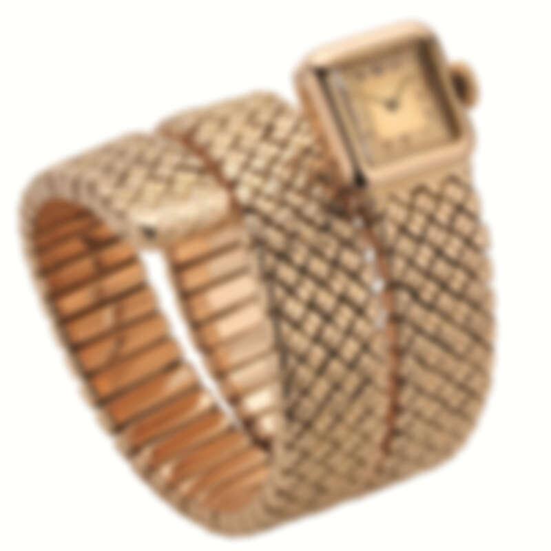 風格簡約的BVLGARI Serpenti玫瑰金手鐲腕錶,創作於40年代。