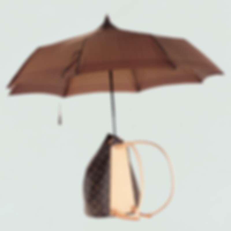 自配雨傘的奇幻包