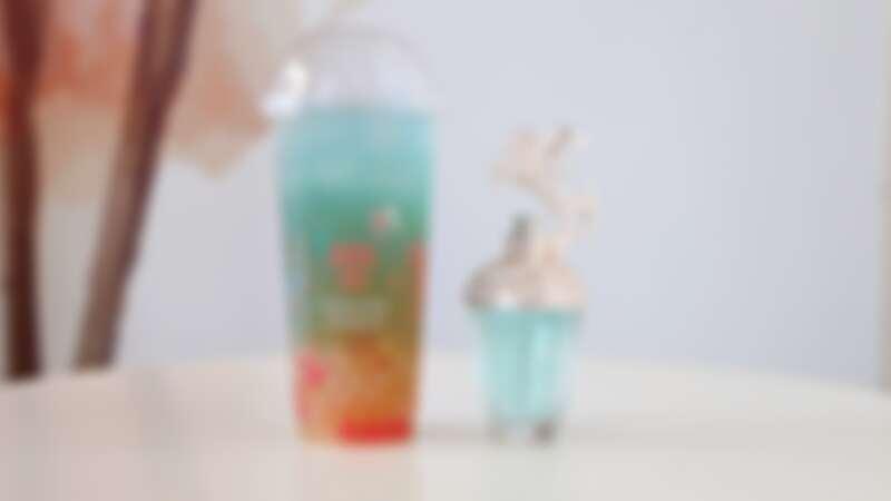 ANNA SUI香氛feat.丸作食茶 聯名香氛飲品-藍海初戀情境照