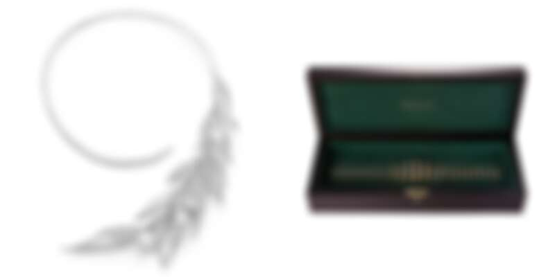 (左)FEUILLES DE LAURIER問號項鍊。(右)Jack Box珠寶組。