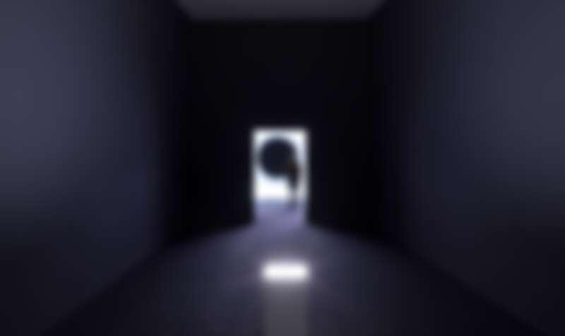 《臨界點》2018 DLP投影機、HMI燈、電腦、揚聲器 尺寸依空間大小而定 © Ryoji Ikeda & studiohanswilschut, courtesy of Eye Filmmuseum