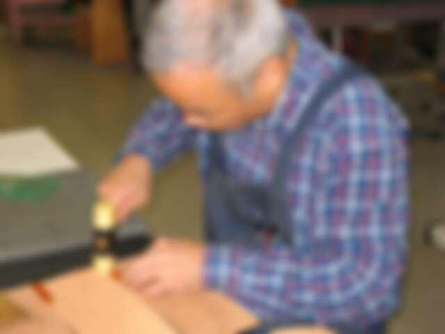 誠品生活號 WOGNA 昭和天皇御用皮革老舖揉製具生活感又實用的皮件。