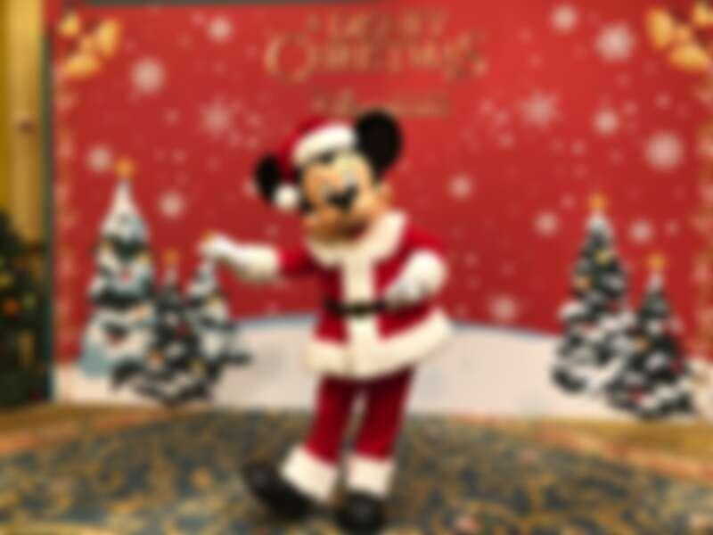 聖誕米奇搶先亮相!