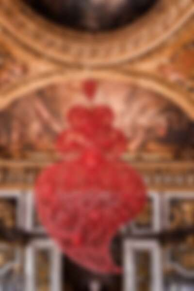 Coração Independente Vermelho [Red Independent Heart], 2005 Photo by Luís Vasconcelos Courtesy of Unidade Infinita Projectos | Château de Versailles