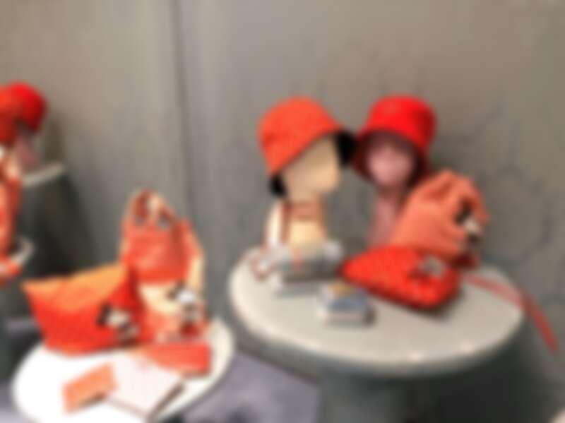 miu miuXDisney與米妮(Minnie)合作推出迷你系列,包含服裝、配件,共約20項單品。
