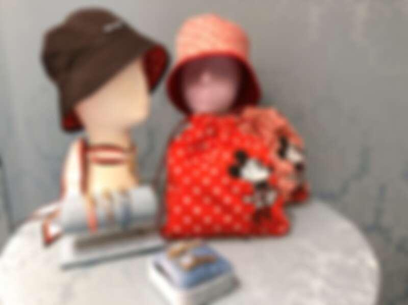 雙面使用的漁夫帽,CP值超高,單色百搭、波卡圓點超可愛。髮夾、皮繩束口袋肯定讓女生超生火!
