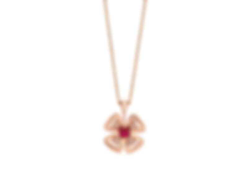 BVLGARI FIOREVER 系列農曆新年限定版玫瑰金紅寶石與鑽石項鍊,參考價格約NT149,000
