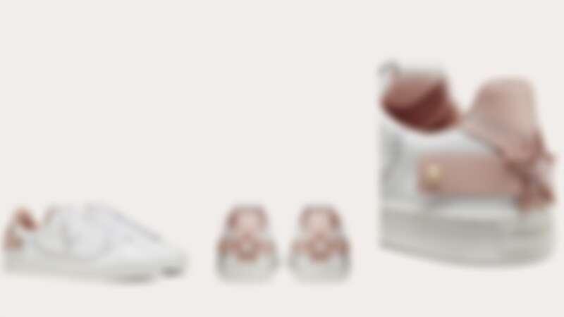 VALENTINO GARAVANI Backnet Sneakers(NT$25,000)。