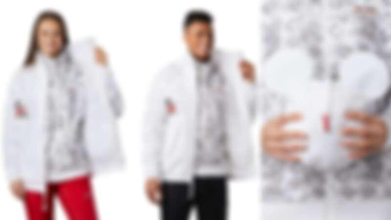 迪士尼可收納防潑兩件式立領外套(NT$9,880),外層防水、內層刷毛外套隱約透出米奇插畫,可收納成米奇頭。