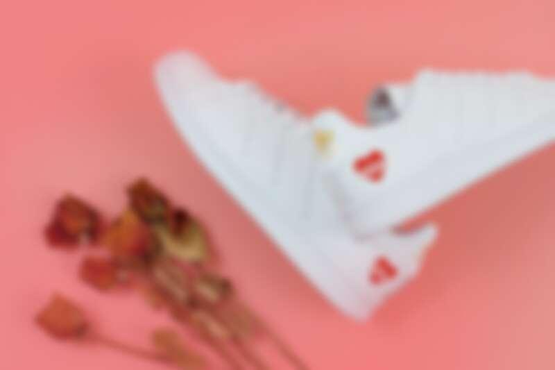 adidas Originals Stan Smith 情人節限定鞋款,價格店洽(FRUITION)。
