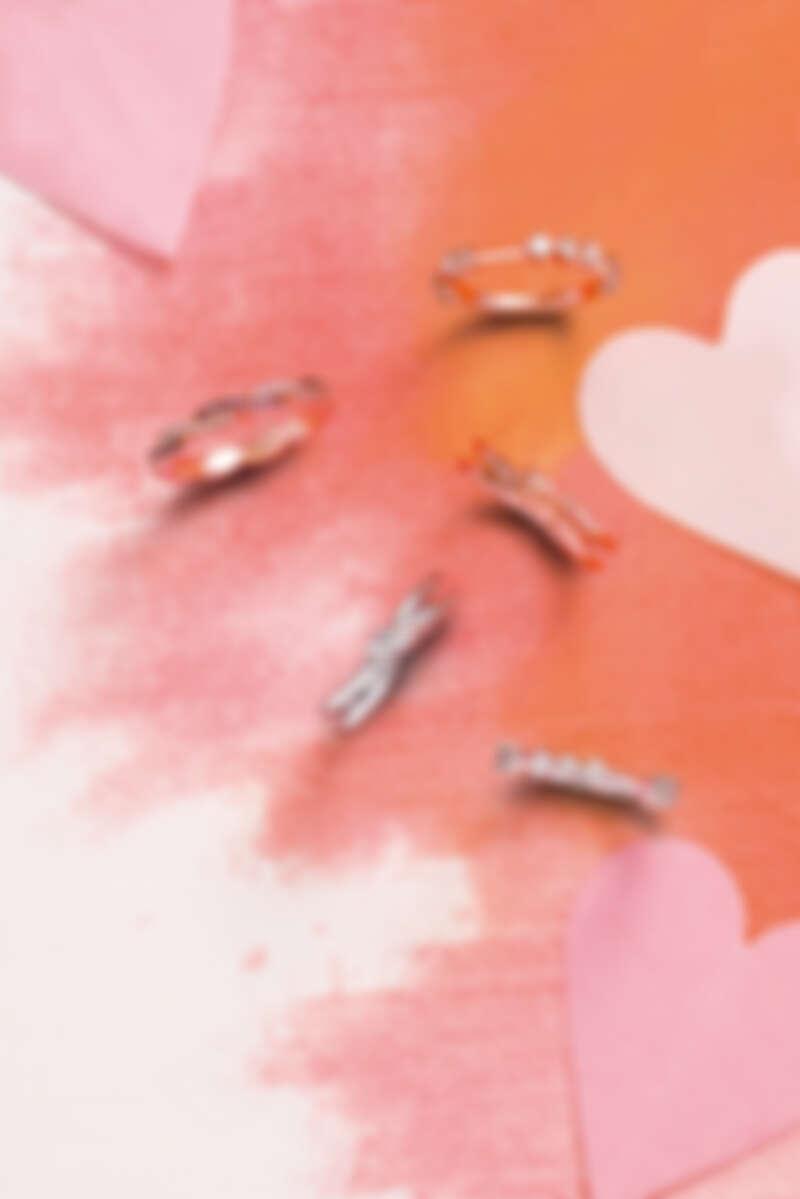 LOVE CODE戒指(玫瑰金、鑽石、粉紅剛玉)、HARLEY GO BOLDLY戒指(玫瑰金、鑽石、粉紅剛玉)、 FORGET YOU NEVER戒指(玫瑰金/白K金、粉紅剛玉)、LOVE CODE戒指(白K金、鑽石、粉紅剛玉)。