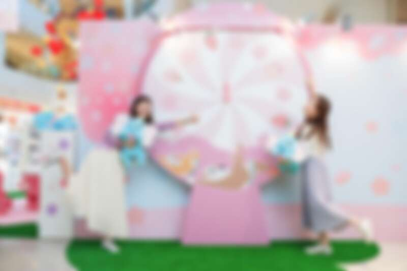 高雄店打卡點:櫻花季限定俏皮旋轉盤