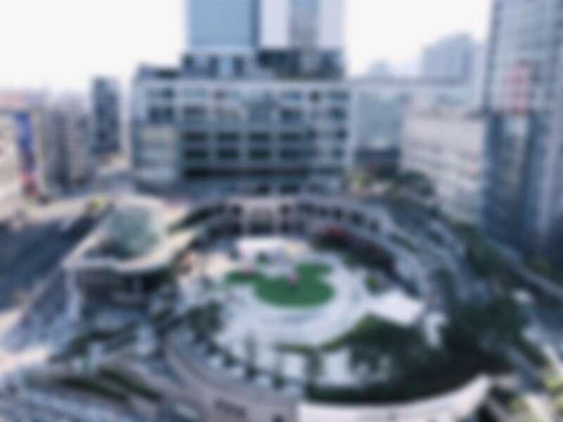 統一時代百貨2樓夢廣場有超大的「米奇草皮」!