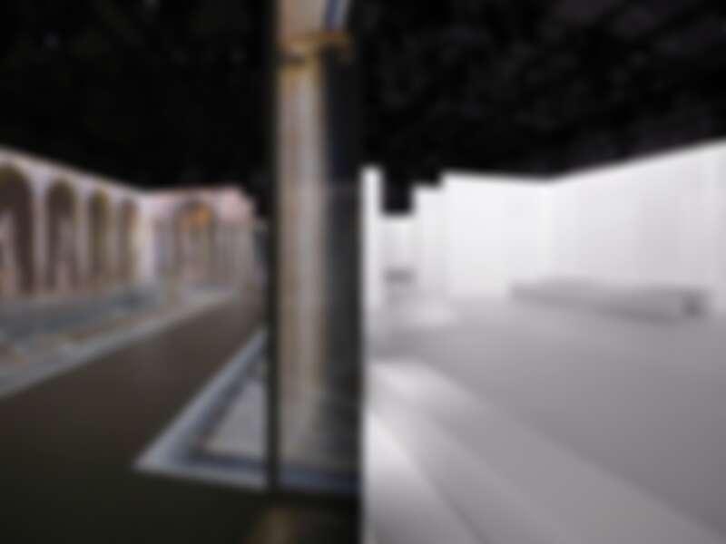 秀場是採用投影方式呈現古典雕塑公園的模樣