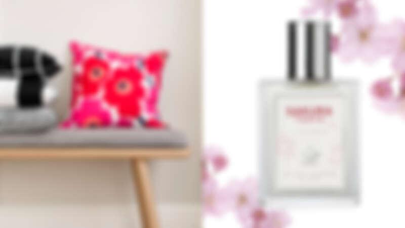 (左圖)誠品生活信義店|Marimekko|Unikko印花抱枕;(右圖)誠品生活敦南店|ACCA KAPPA粉櫻芬飛淡香精。