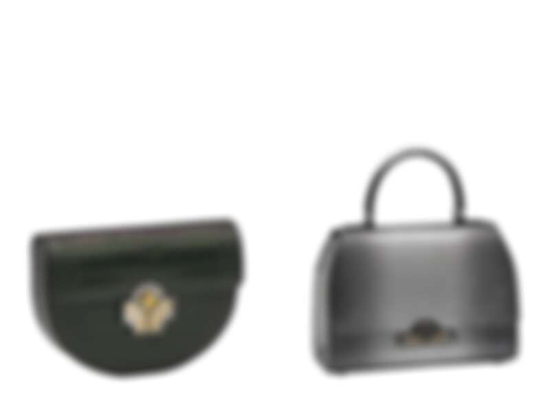 Marie Louise Iridescent鱷魚皮墨綠X黑包款、Rejane 23 Heritage金屬光蜥蜴皮 淺灰色包款。