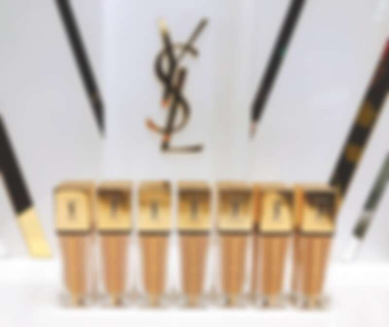 YSL全新超模光感極潤粉底 共7色