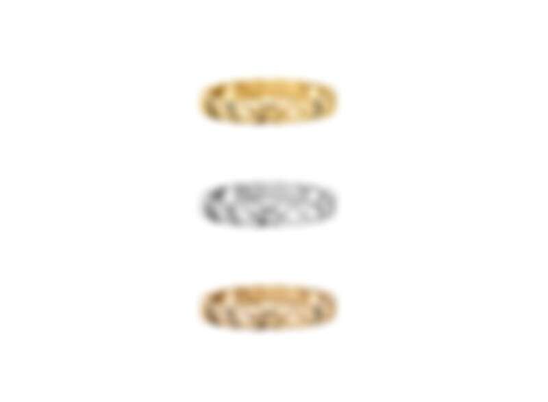 """以""""Matelassé""""菱格紋圖騰為靈感,COCO CRUSH窄版戒指,非常適合優雅與低調奢華的現代女性配戴。"""