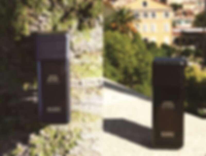 巴黎鐵塔綠地大樹下的EVODY「檀心密語中性淡香精」 / 在香水之都格拉斯的EVODY「魅惑琥珀中性淡香精」