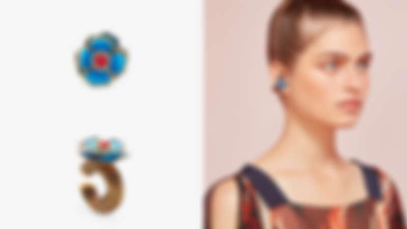 藍花琺瑯耳環,約為NT16,700