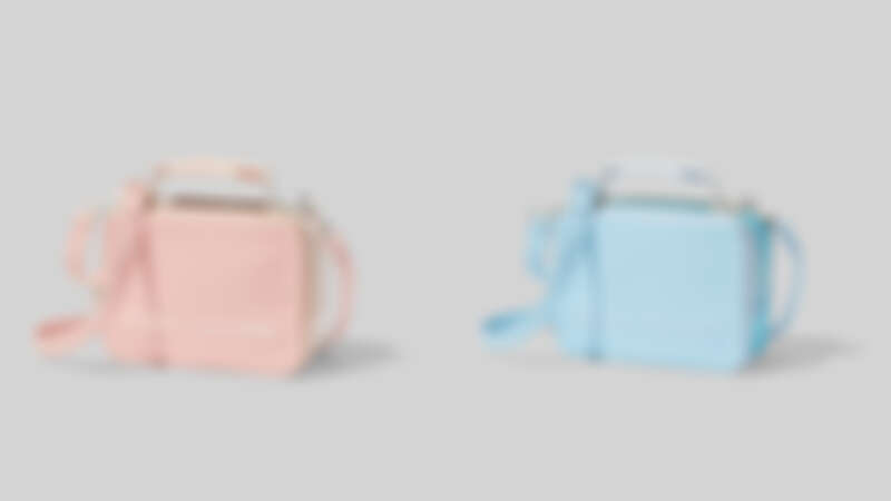 Marc Jacobs 櫻花粉The Box餐盒包 (20cm)、冰雪藍The Box餐盒包(20cm),各NT16,900。