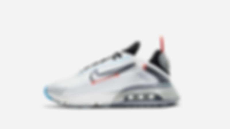 為強調鞋身結構,Air Max 2090上支撐性能最強的材質均以黑色突顯,而支撐性能次之的區域則使用不透明表示。