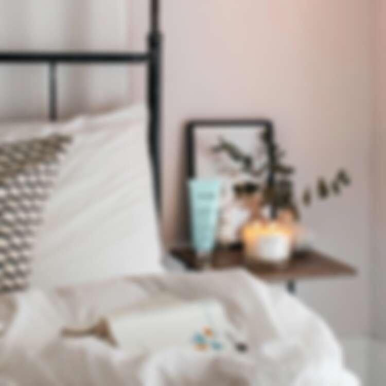 全新推出NEOM靜心舒眠系列,以新鮮果香氣息幫助睡眠更深更香甜。(圖片提供10/10HOPE)