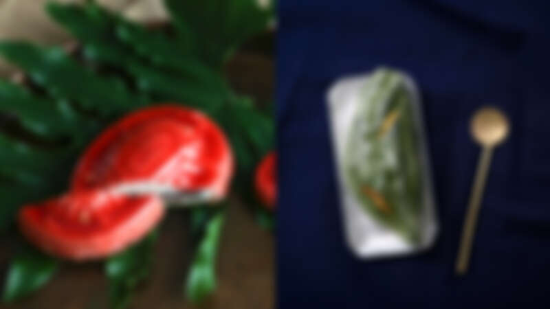 (左圖)誠品生活南西5/1 - 5/10 「夢幻甜點店」|菓實日|紅龜慕斯蛋糕6吋;(右圖)誠品生活南西5/1 - 5/10  「夢幻甜點店」|菓實日|人之島