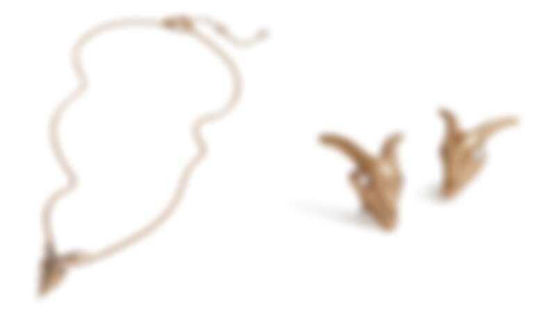 項鍊(NT$1,800)、耳環(NT$1,400)