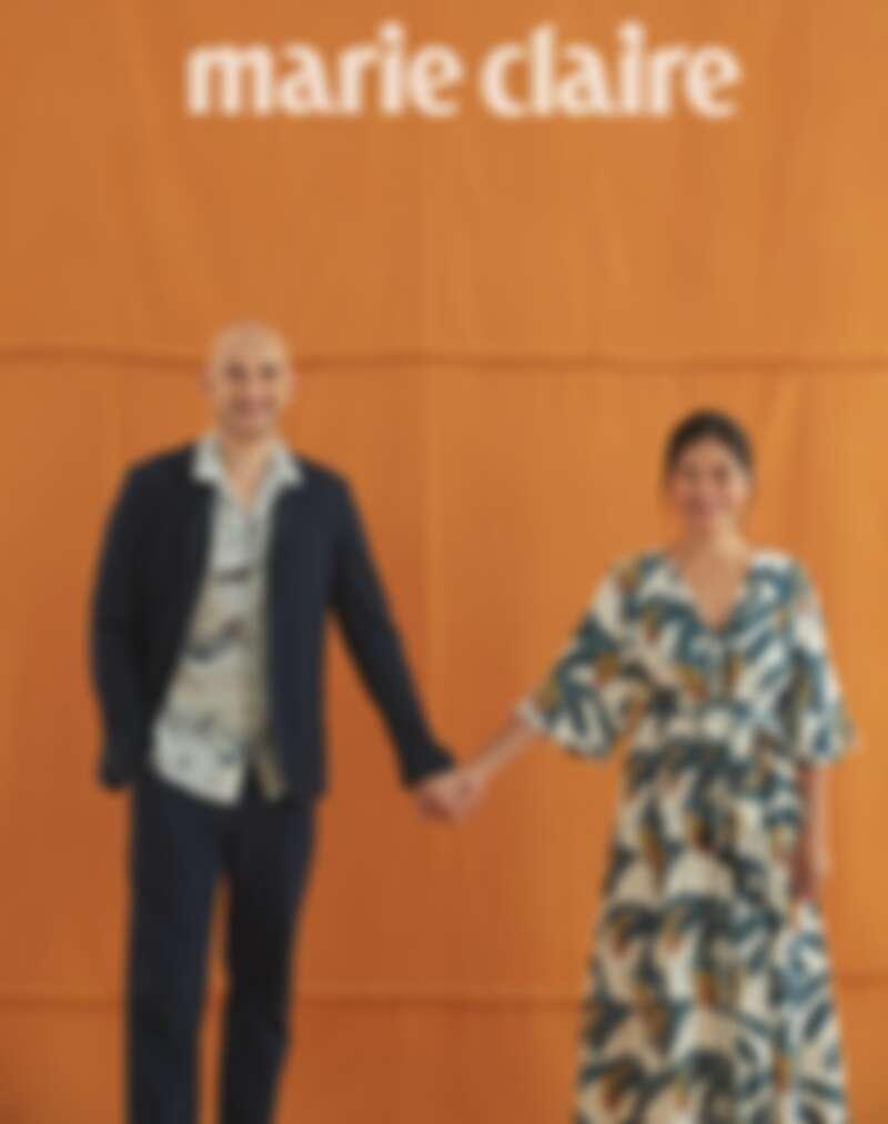 吳鳳:靛藍色西裝外套、西裝長褲,both by Agnes b.;印花襯衫,AllSaints;皮革球鞋,H&M。 Rynne:印花洋裝,Desmond & Dempsey X H&M;白色涼鞋,H&M。