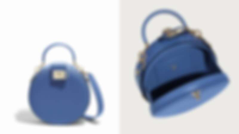 Studio 藍色小牛皮圓包(NT$74,900)