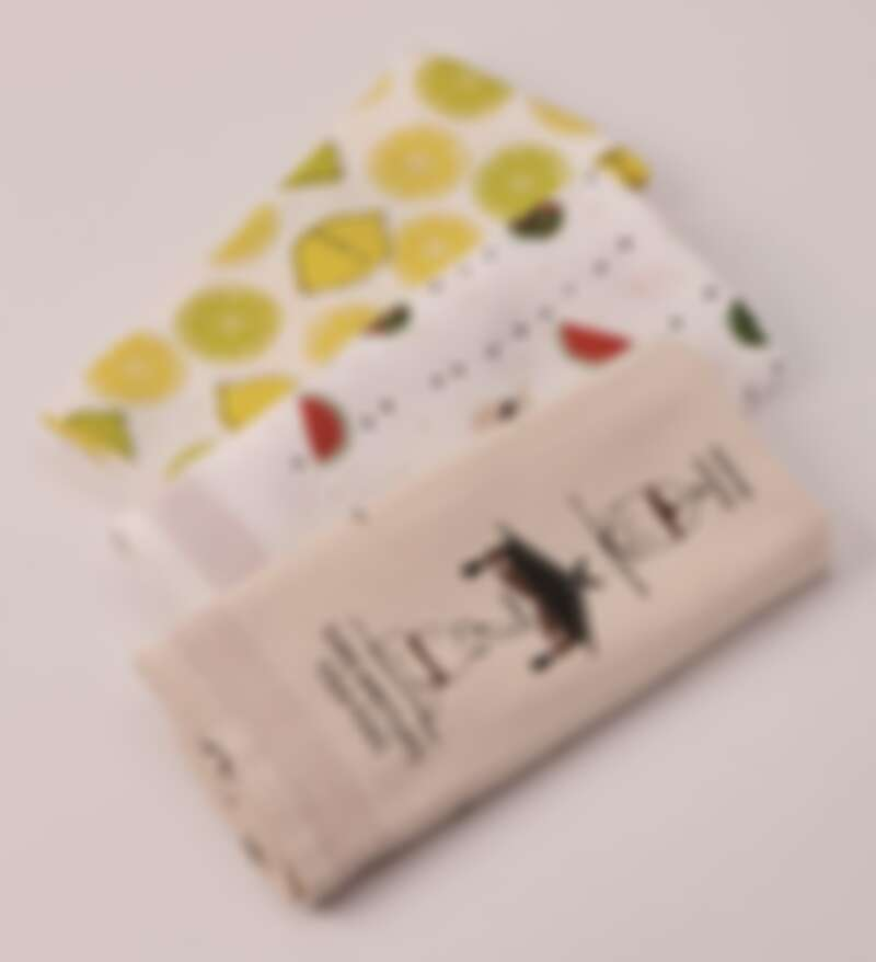 嚴選優良有機棉花的日本毛巾品牌「kontex」,毛巾柔軟蓬鬆又厚實,印上夏天氣息圖樣增添清爽感|誠品書店