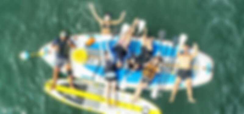 在台南漁光島體驗海上漂浮的樂趣。Source: KLOOK