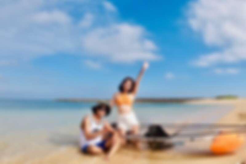 到澎湖隘門沙灘體驗透明獨木舟,輕鬆感受漂浮在水上的感覺。Source: KLOOK