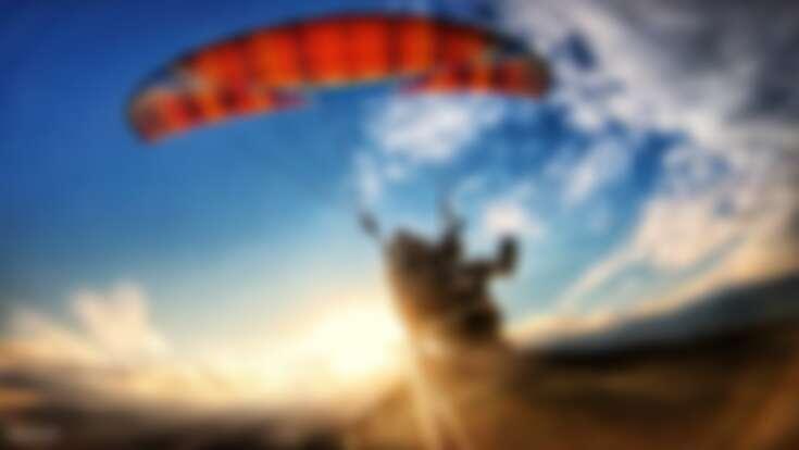 來趟花蓮滑翔傘飛行之旅,在高空中將寬闊無邊花東縱谷盡收眼底。Source: KLOOK